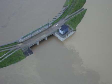 Immagine del Torrente Ombrone e della cassa di espansione delle Vanne del 25.12.2009