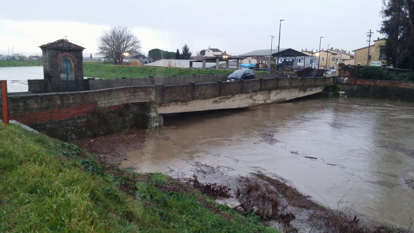Ombrone al Ponte al Molino durante la piena del 2 febbraio 2019